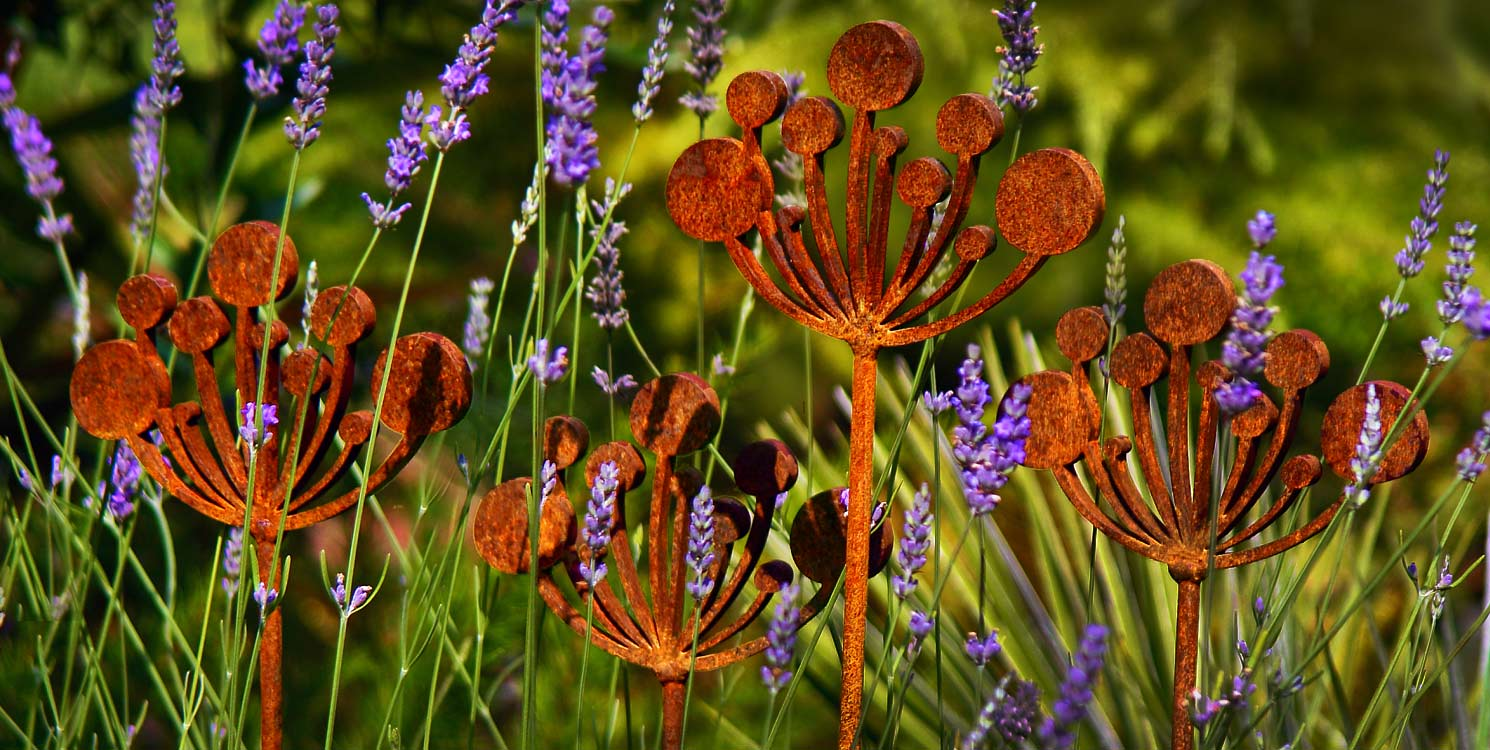 Cow Parsley garden sculpture crafted from rusted steel