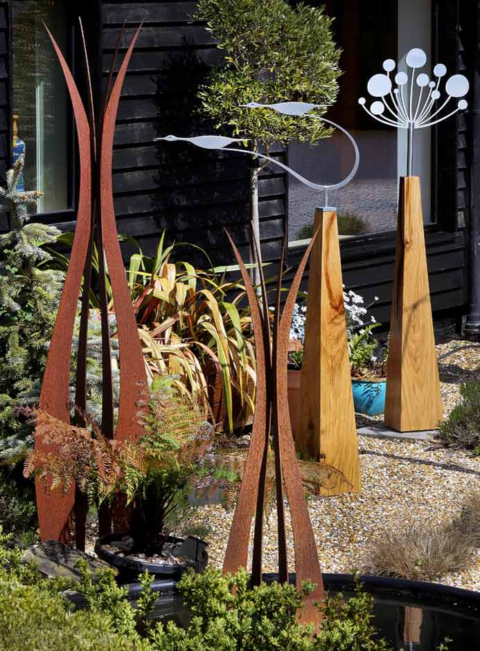 New contempoary garden art and sculpture