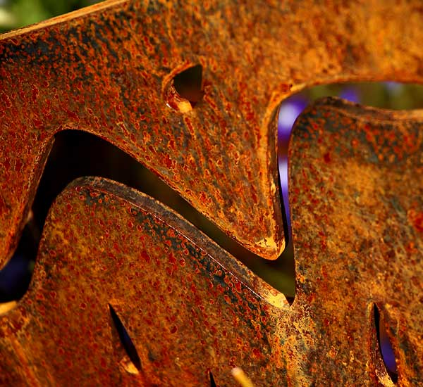 diCabra, garden and patio sculptures made form rusted steel / metal