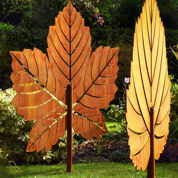 Metal leaf sculpture for the garden made from rusted metal
