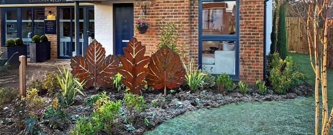 contemporary rusted metal garden sculptures