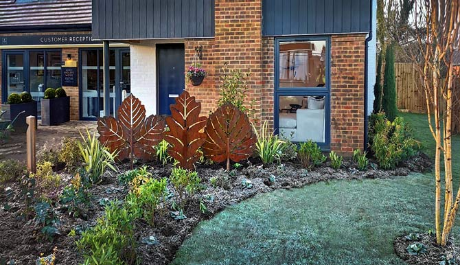contemporary rusted metal garden sculptures